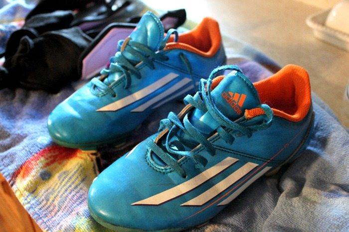 How To Clean And Get Rid Of The Odor Of Utilised Soccer Cleats How To Fix Smelly Soccer Cleats